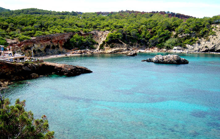 cala xarraxa beach north ibiza
