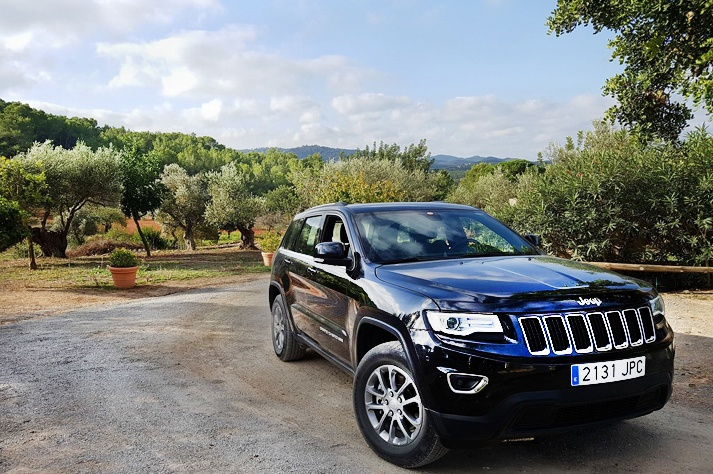 personalized delivery of luxury cars in ibiza villas
